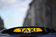 UK, Scotland, Edinburgh, Taxi sign - FDF000039
