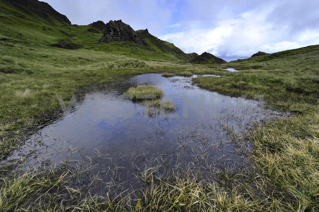 UK, Scotland, Landscape on Isle of Skye - FDF000013