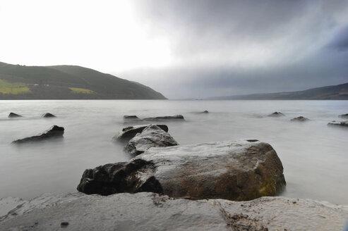 UK, Scotland, View of lake - FDF000063