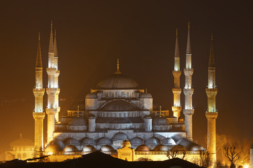 Turkey, Istanbul, Blue Mosque by night - SIEF005295