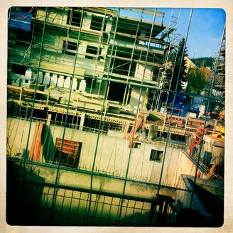Construction site for apartments in Freiburg im Breisgau, Baden-Wuerttemberg, Germany - DHL000409