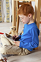 Little boy using tablet computer - JED000196