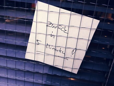 Post-it, back in 5 minutes, Munich, Germany - RIMF000265