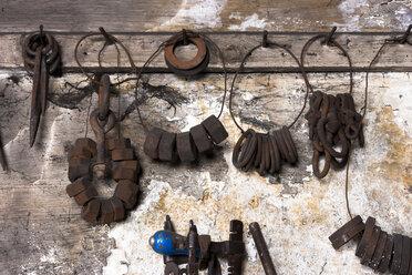 Germany, Bavaria, Josefsthal, tools at historic blacksmith's shop - TCF003934