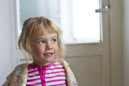 Portrait of little daydreaming girl - JFEF000333