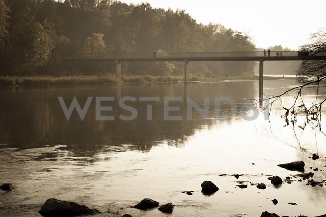 Germany, Bavaria, People on Isar bridge - FCF000142