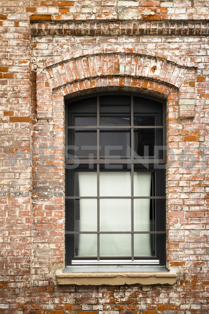 New window of an old factory - FCF000114