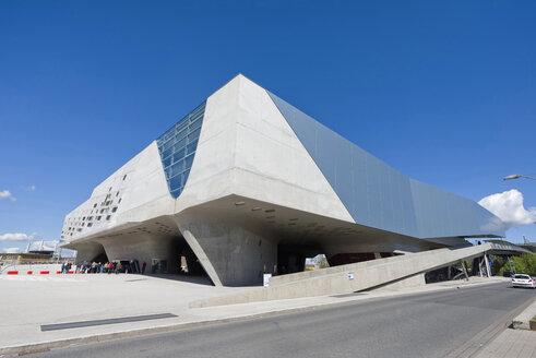 Germany, Lower Saxony, Wolfsburg, view to Phaeno Science Center - KLR000020