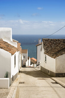 Portugal, Azores, Sao Miguel, Nordeste, Alley with sea view - ONF000545
