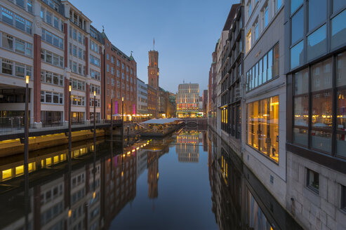 Germany, Hamburg, Bleichenfleet after sunset - RJF000119