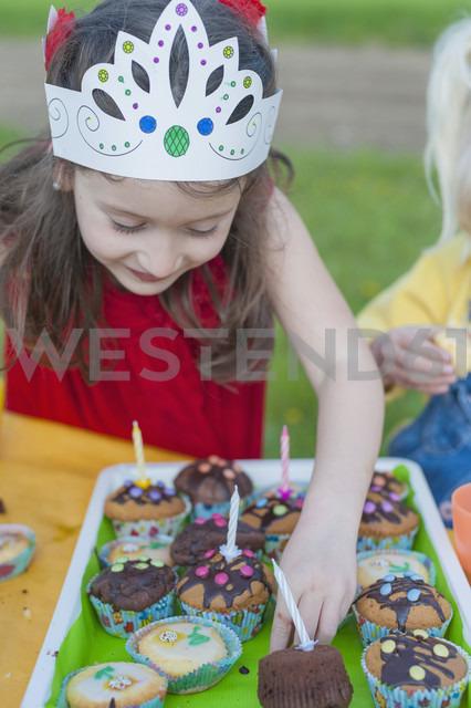 Little girl with birthday muffins - MJF001164