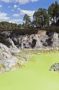 New Zealand, Rotorua, Wai-O-Tapu Thermal Wonderland, Devil's Bath - GW002845