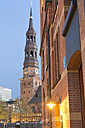 Germany, Hamburg, St. Catherine's Church and warehouse in Speicherstadt - MSF003848