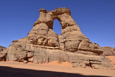 Algeria, Tassili n' Ajjer, Sahara, Tadrart, Tamezguida, natural window (La Cathedrale) - ES001057