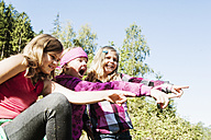 Three excited girls in the nature - HHF004812
