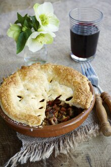 Chestnut mushroom bourgogne pie with a glass of red wine - HAWF000160