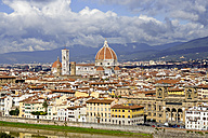 Italy, Tuscany, Florence, Old town and Florence Cathedral - KLRF000057