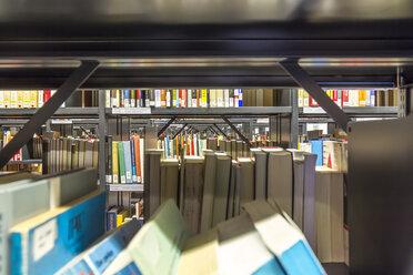 Germany, Berlin, book shelves at Jacob-und-Wilhelm-Grimm-Zentrum - NK000104