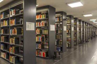 Germany, Berlin, book shelves at Jacob-und-Wilhelm-Grimm-Zentrum - NK000107