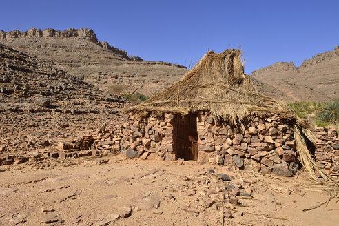 Algeria, Tassili N'Ajjer National Park, Traditional zeriba at Idaran, Tuareg village in Idaran Canyon - ES001091
