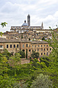 Italy, Tuscany, Siena, View to Siena Cathedral - YFF000139