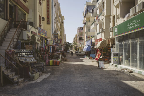 Egypt, Hurghada, view of shopping street - STDF000098