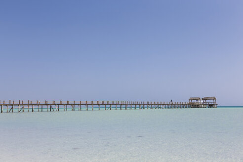 Egypt, Hurghada, view from Giftun Island to jetty at Orange bay - STDF000107