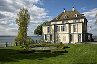 Switzerland, Thurgau, Salenstein, view to Arenenberg Castle with Napoleon Museum at Lake Constance - EL000999
