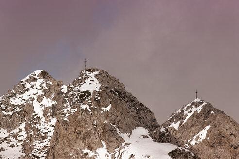 Austria, Tyrol, Innsbruck, Nordkette, Karwendel Mountains, Summit crosses - GFF000489