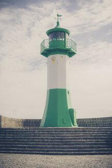 Germany, Mecklenburg-Western Pomerania, Ruegen, Sassnitz, Lighthouse at harbor - MJF001251