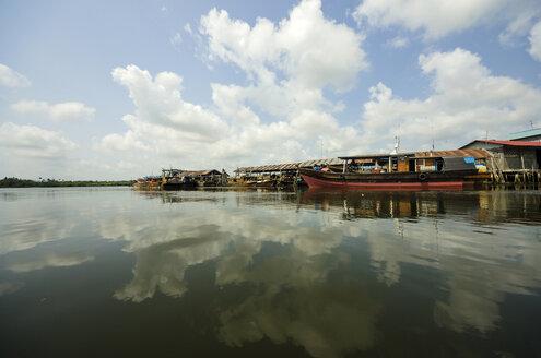 Indonesia, Riau Islands, Bintan Island, Fishing village, Fishing boats - THAF000399