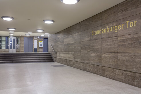 Germany, Berlin, subway station Brandenburger Tor - NKF000117