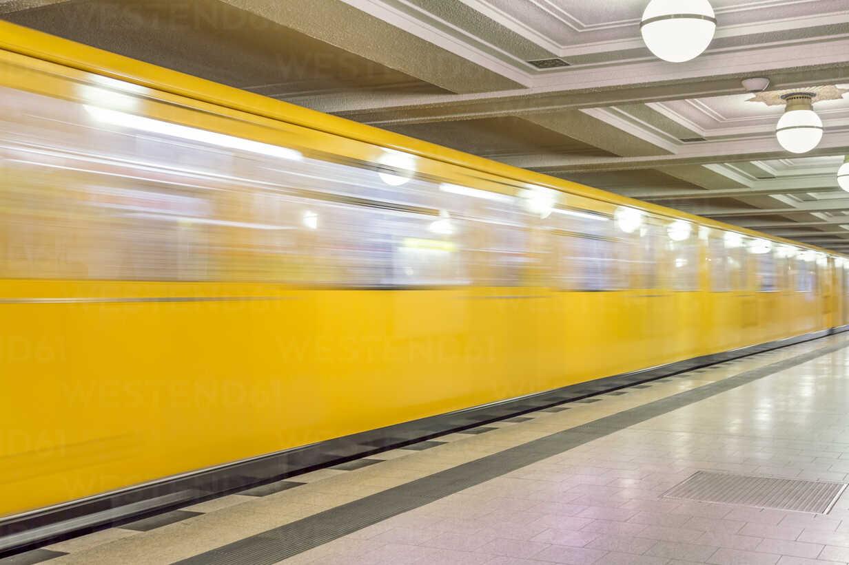 Germany, Berlin, subway station Hohenzollernplatz with moving underground train - NKF000136 - Stefan Kunert/Westend61