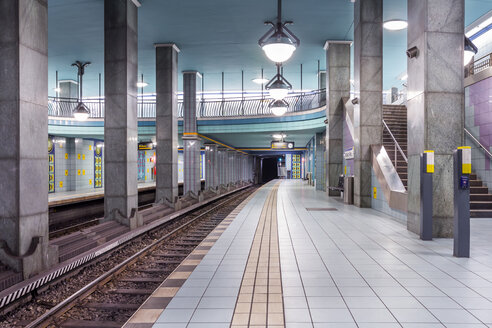 Germany, Berlin, subway station Lindauer Allee - NKF000138