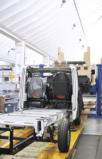 Assembly line production of motorhomes in a factory - SCH000253
