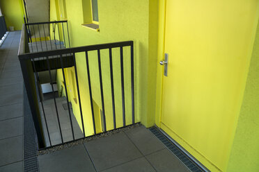 Railing and door of modern multi-family house - TCF004074