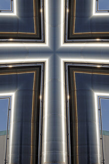 Cross-shaped metal construction, Composing - HOHF000816