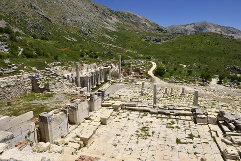 Turkey, Antalya Province, Pisidia, View of reconstructed Heroon at archaeological site of Sagalassos - ES001151