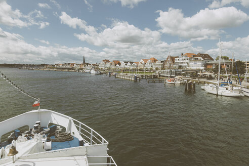 Germany, Schleswig-Holstein, Travemuende, Promenade - MEMF000102