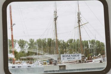 Germany, Schleswig-Holstein, Travemuende, Priwall Peninsula, Rosenhof jetty - MEM000114