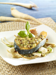 Salmon steak with vegetables - SRS000511