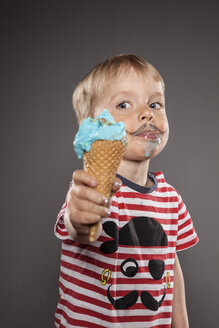 Portrait of little boy with painted beard and ice cream - OJF000031