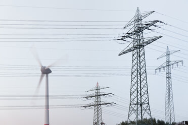 Germany, Hamburg, transmission line and wind turbine - MSF003968