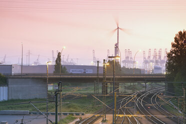 Germany, Hamburg, railway track Altenwerder, View towards the harbor - MSF003970