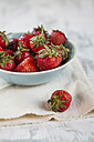 Bowl of strawberries, Fragaria - SBDF000974