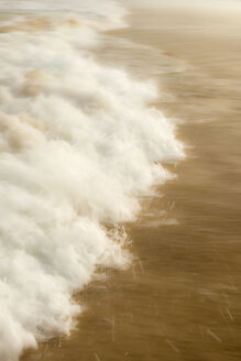 Australia, New South Wales, Pottsville, close-up of breaking waves - SHF001341