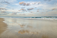 Australia, New South Wales, Pottsville, evening at the beach - SHF001391
