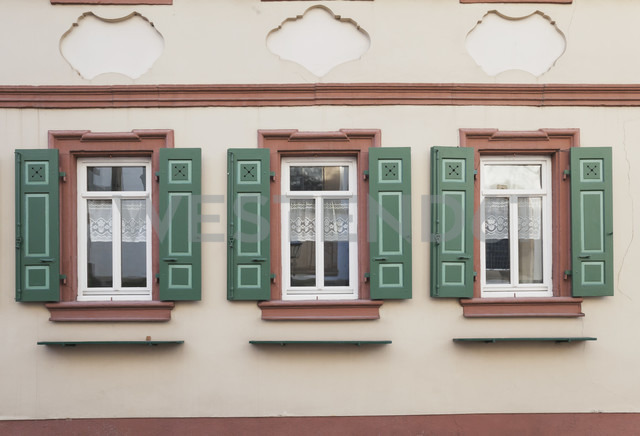Germany, Rhineland-Palatinate, Freinsheim, Facade of a historical building - GWF002875