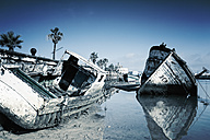 Spain, Costa de la Luz, Barbate, Rotting boats in Rio Barbate river - MS004004