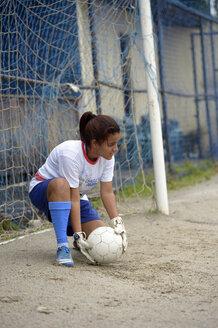 Brazil, Rio de Janeiro, Niteroi, Sao Gonzalo, teenage girl goalkeeping - FLK000333